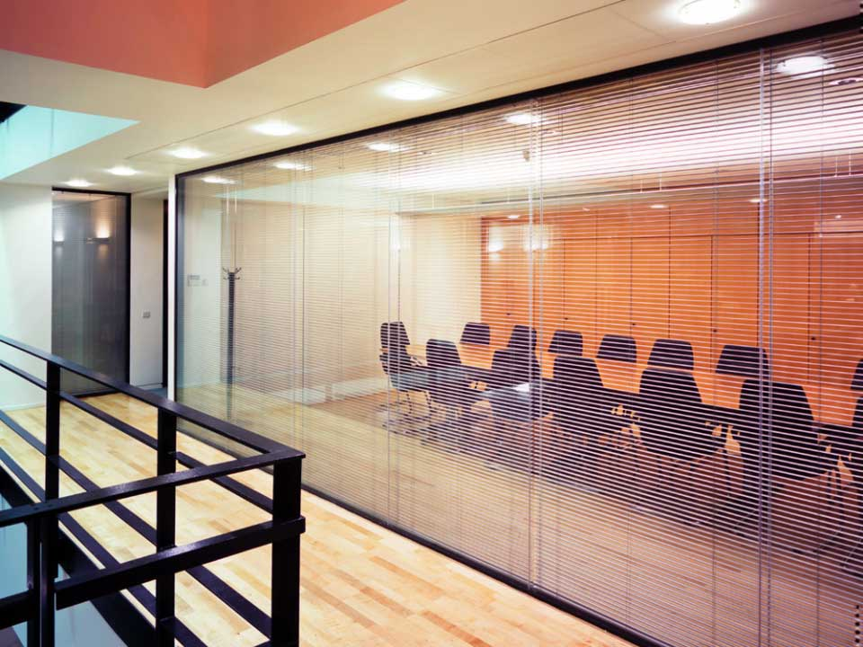 Double glazed glass office partition panels avanti for Double glazed window glass