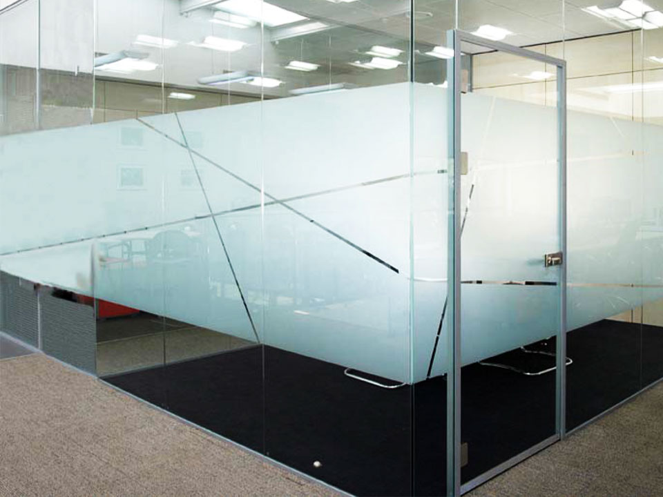 Acoustical single glazed glass doors avanti systems