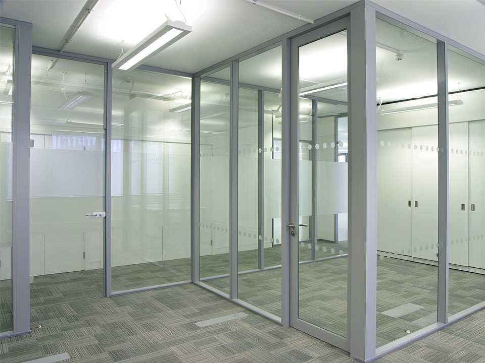 Transverto monoblock pre built glass wall avanti systems Interior glass partition systems