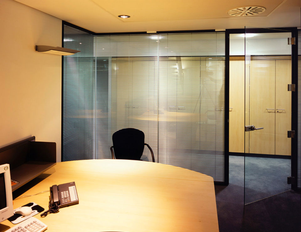 Single Glazed Glass Amp Herculite Doors Avanti Systems Usa